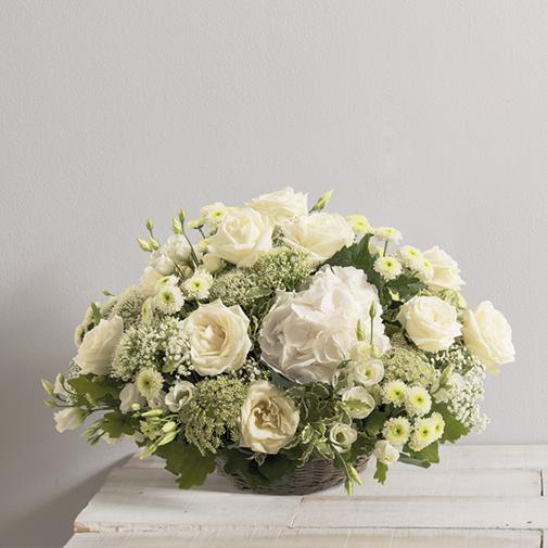 bouquet de mariee et boutonnieres a plan de cuques 13380